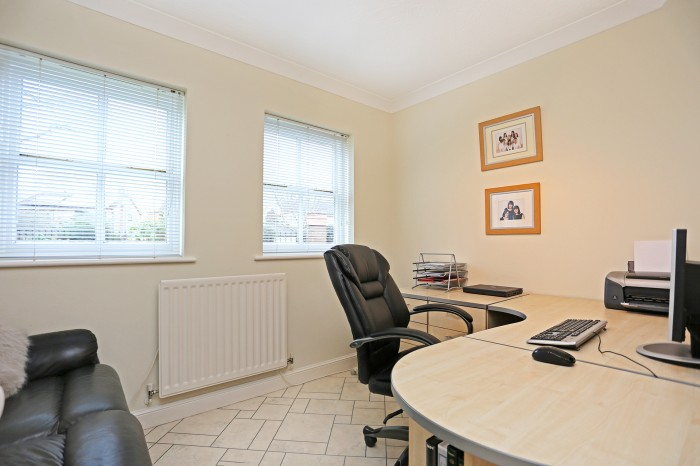 Whitefields Road, Solihull - Photo 16