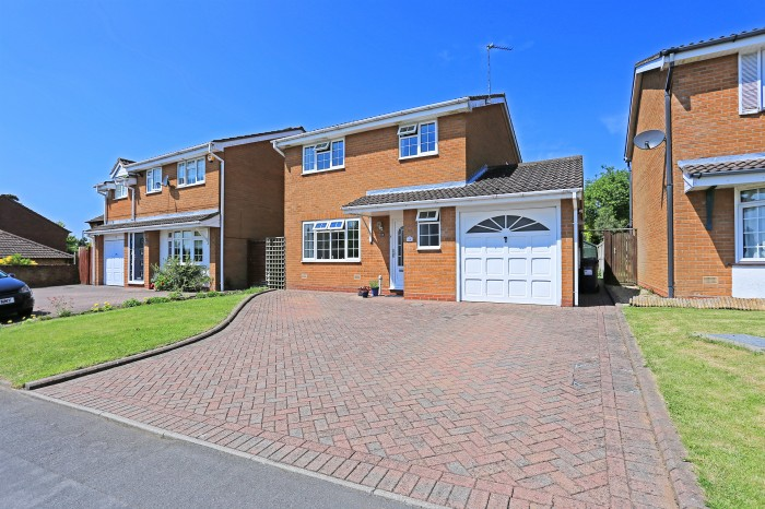 Sandhills Crescent, Solihull - Photo 1