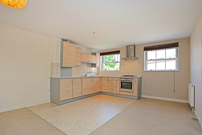 Hensborough, Shirley, Solihull - Photo 3