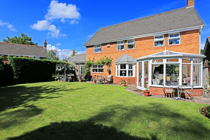 Whitefields Road, Solihull - Photo 15